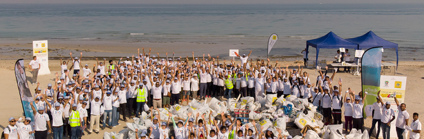 1,000 Volunteers Clean Up Water Areas in the Middle East in Celebration of World Oceans Day